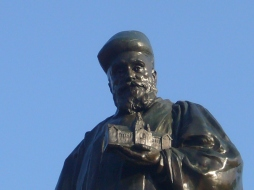 1- J N Tata Statue at IISc - Photo by SHARATH AHUJA